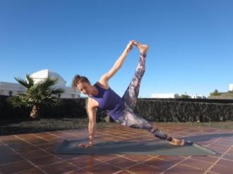 Ciara_yoga solo.jpg