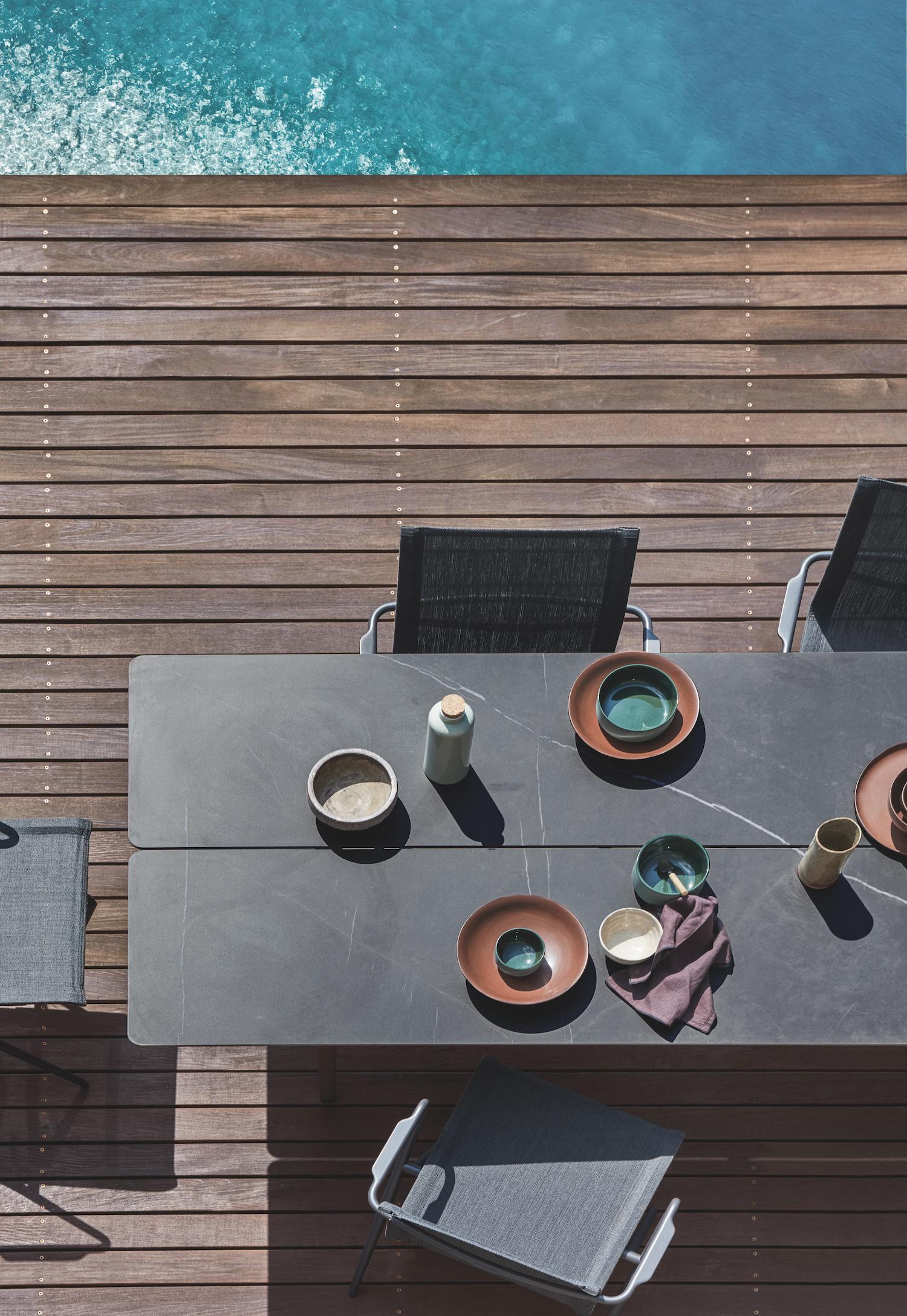 New! Ceramic Split Table