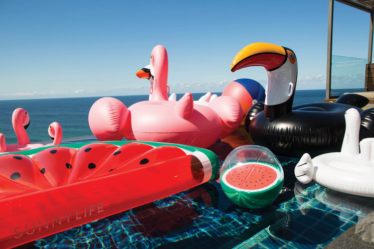 sulflaxp_inflatable-flamingo[5].jpg