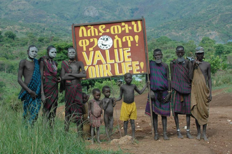 support-local-community-groups-conservation-sustainable-development-savetheelephants-virunga-africanparks-environment