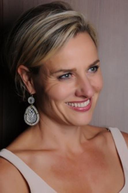Founder-Designer-Geraldine-van-Amerom-couleursdegeraldine-vanamerom-french-dutch-italian-beautiful-creative-innovative-daring-discovery-nuvory-madeinitaly-jewelry-jewellery-wearableart