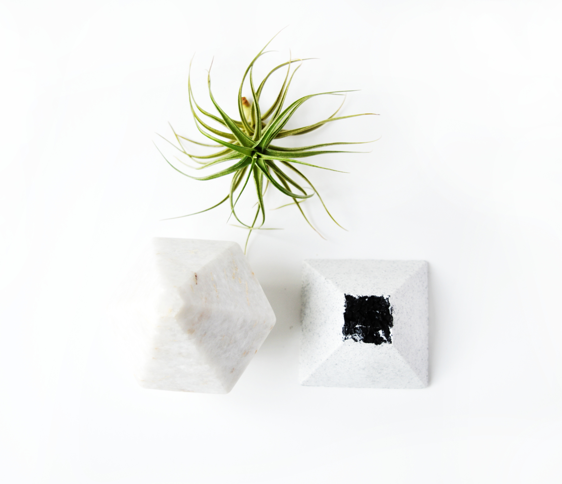 BLACK LAVA SPA STONE SEA SALT SOAP