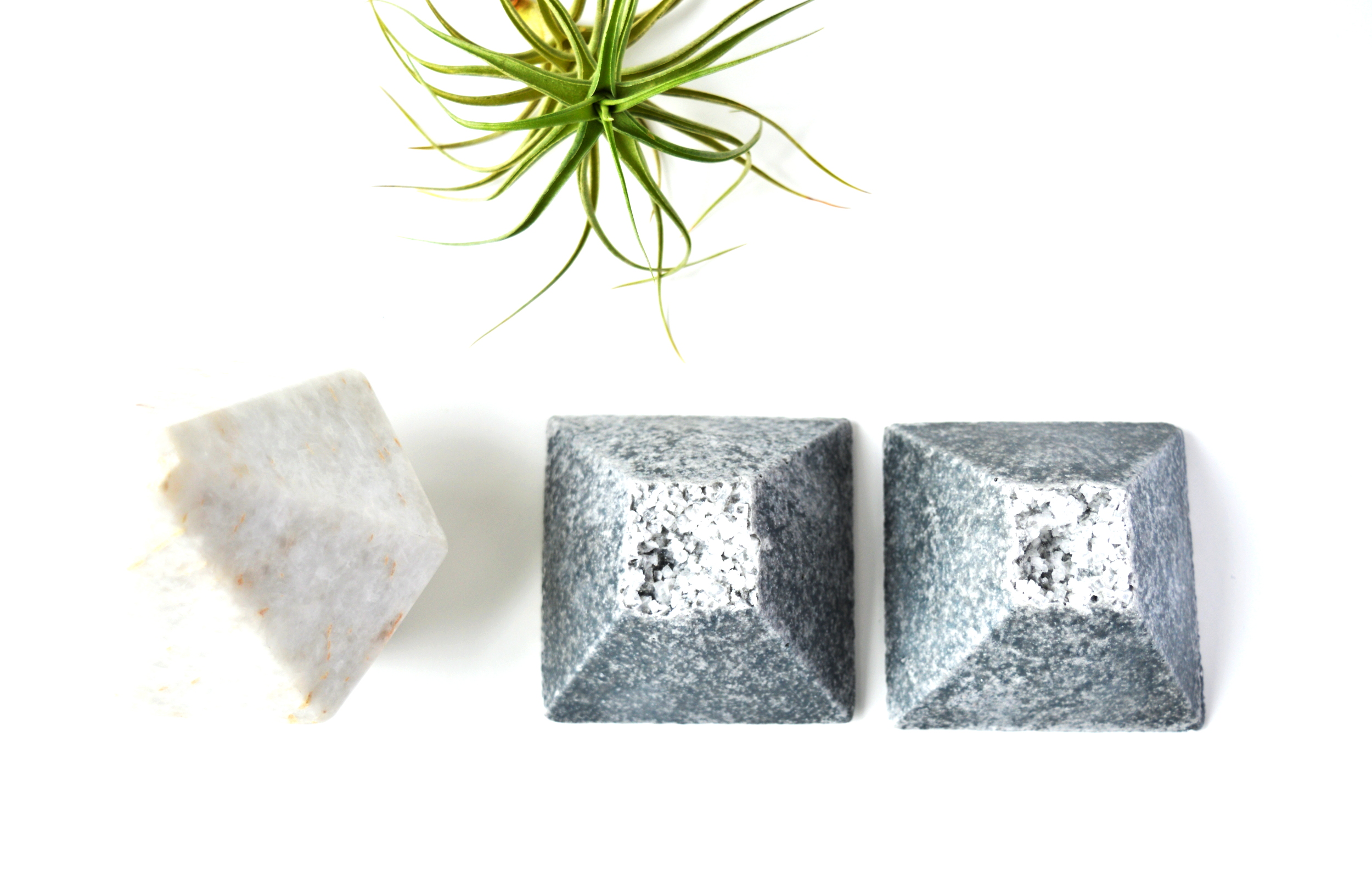 GRANITE SPA STONE SEA SALT SOAP