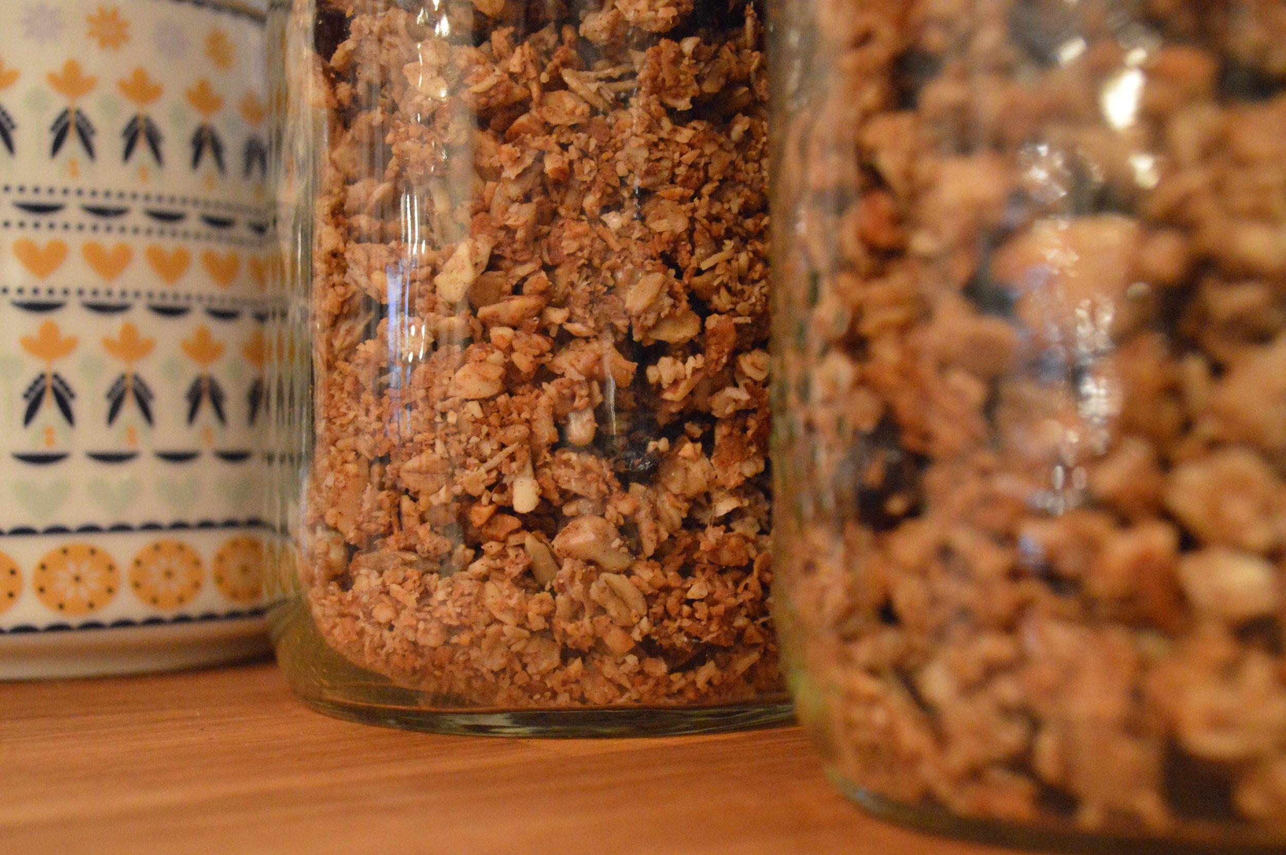 granola_jars