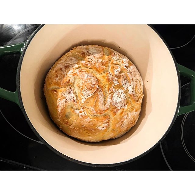 Easiest Dutch oven crusty bread - tomorrow it will be garlic bread! #allthebread . . . #yeg #yegblog #blogger #blog #slowliving #naturalliving #allnatural #breadmaking #bread #livingsimply #simpleliving #wastereduction #ecoblog #homestead #cooking #zerowaste #zerowasteliving #inspiration #bake #yeggreen #bloglife #gracefulnomad #homemade #sustainability #homefermentation #slowcooking #sustainablehome #yeast #sustainableliving