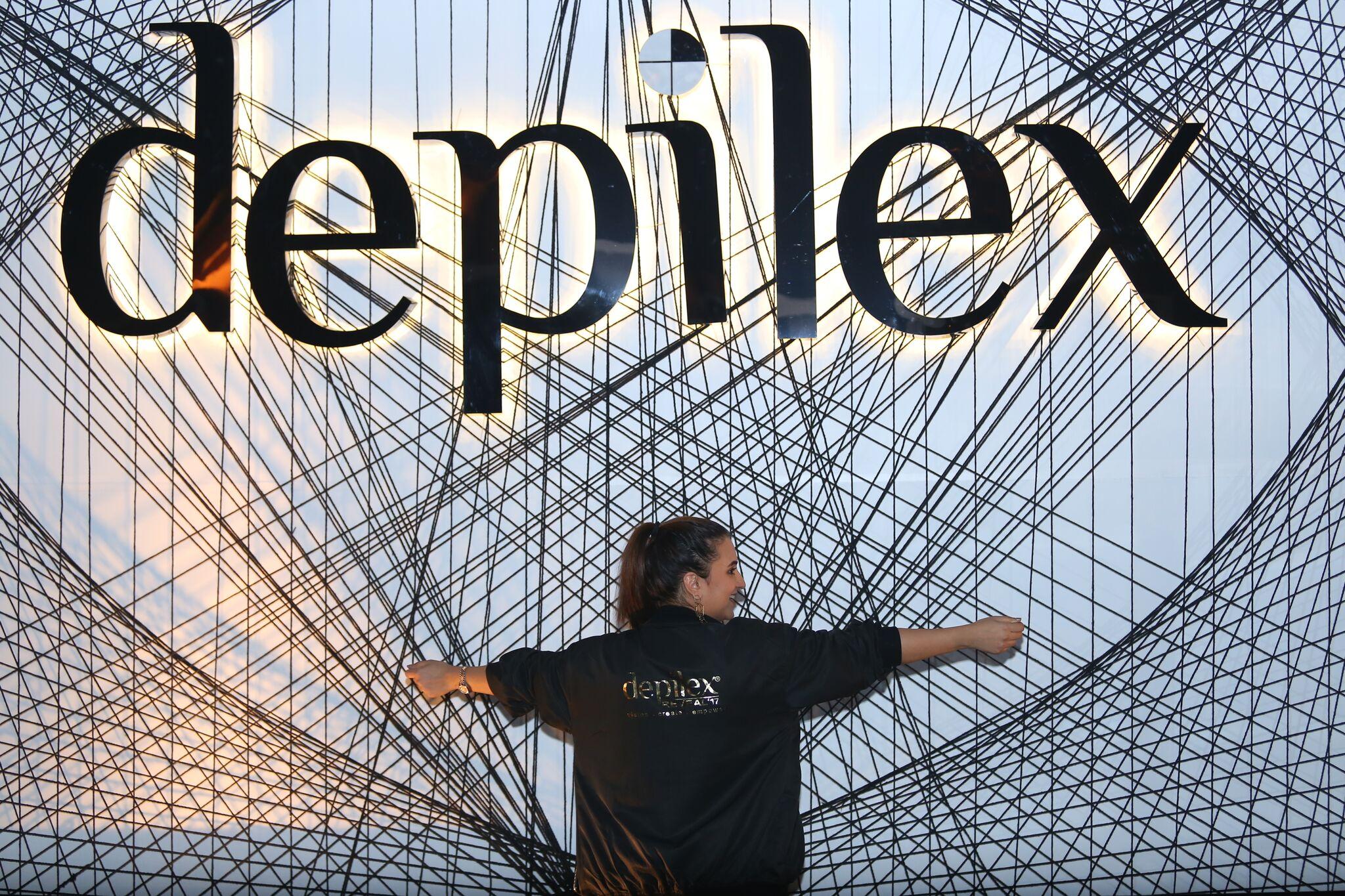 Redah Misbah at the lack Carpet of Depilex Reveal '17