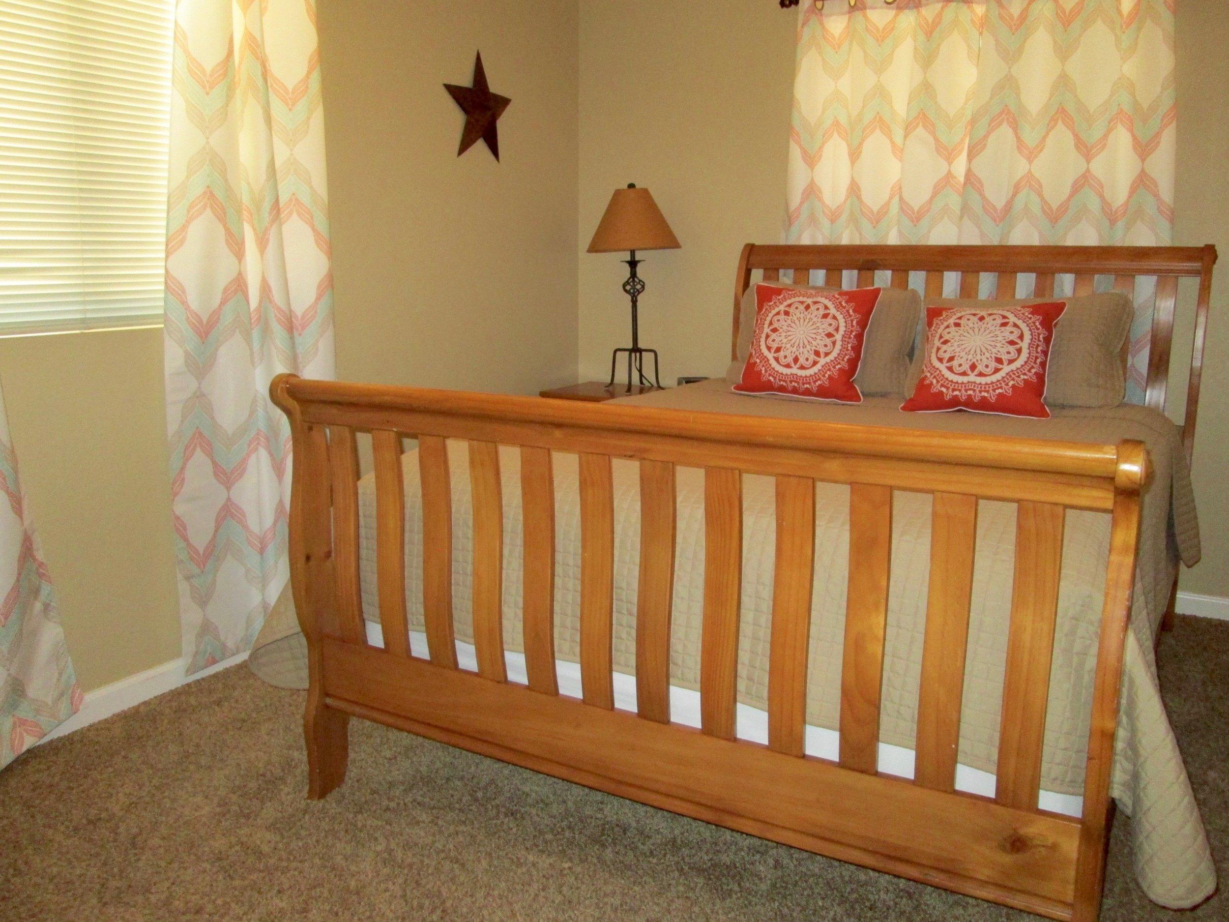 Pine Spring Queen Bedroom