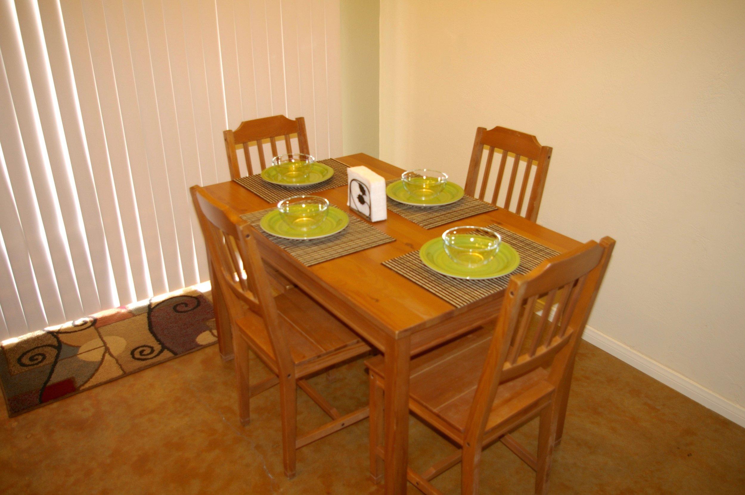 Rent29 Cactus West Dining Room