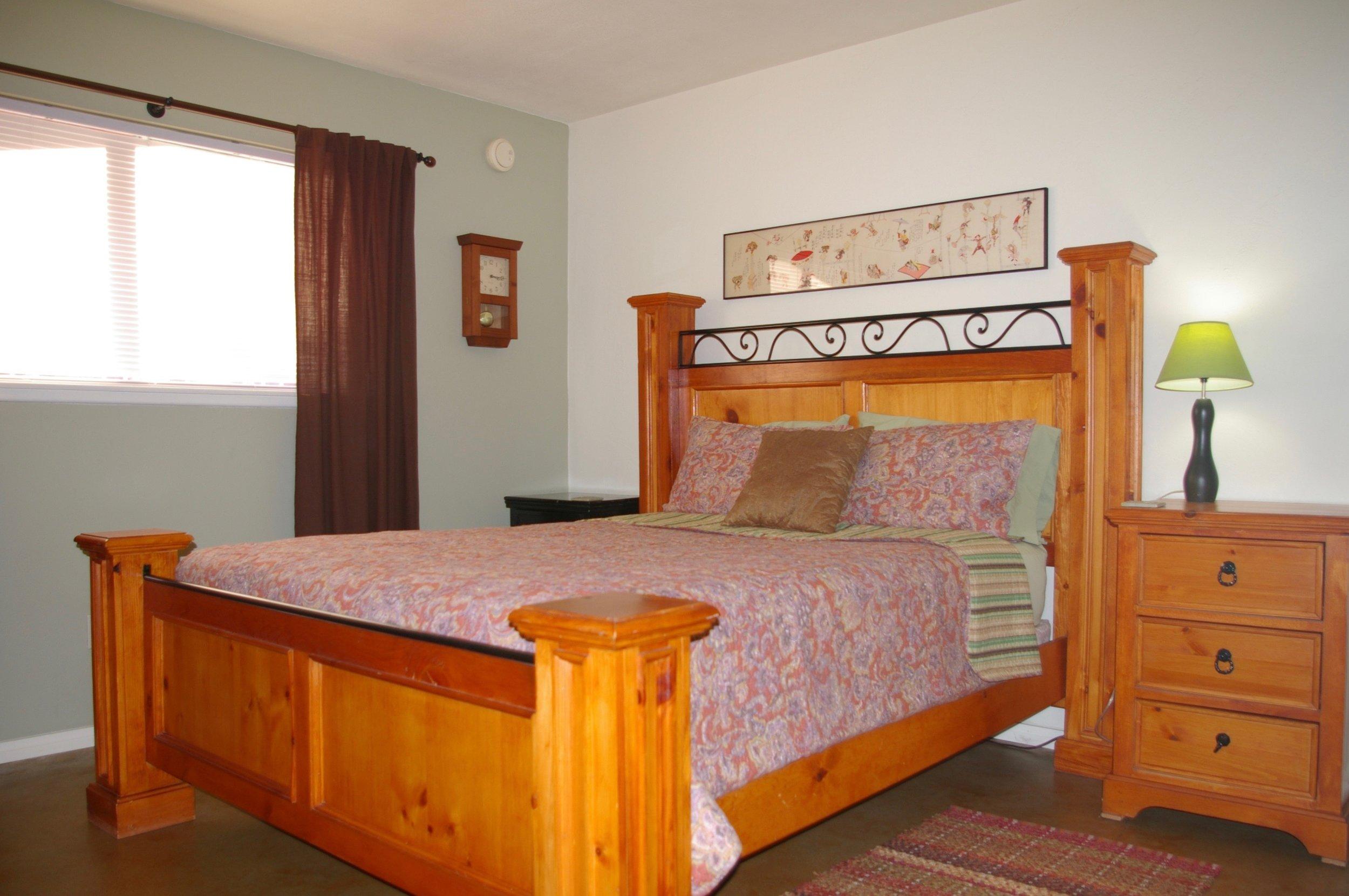 Rent29 Cactus West Master Bedroom