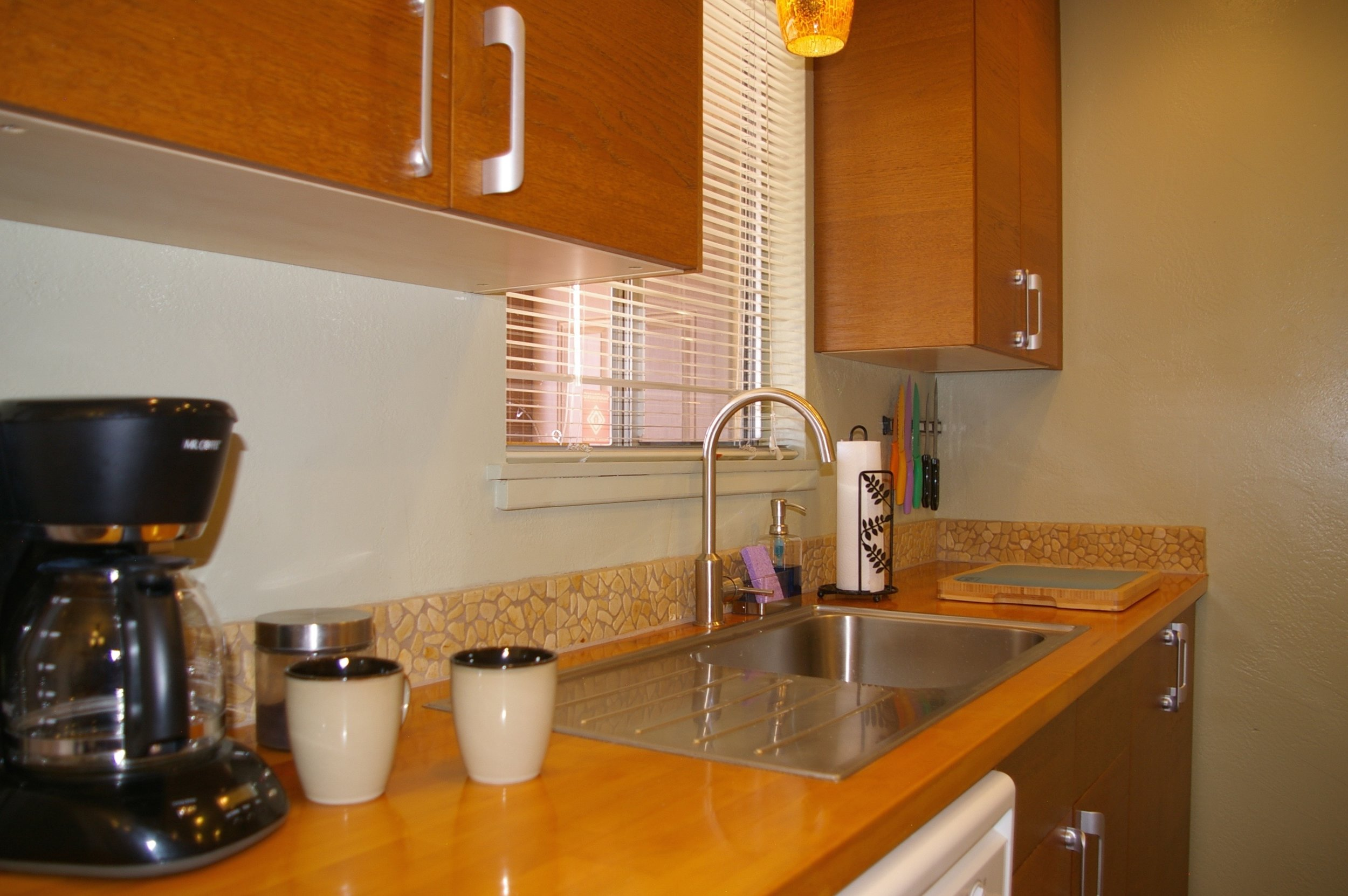 Rent29-Cactus_East-Coffee-Station