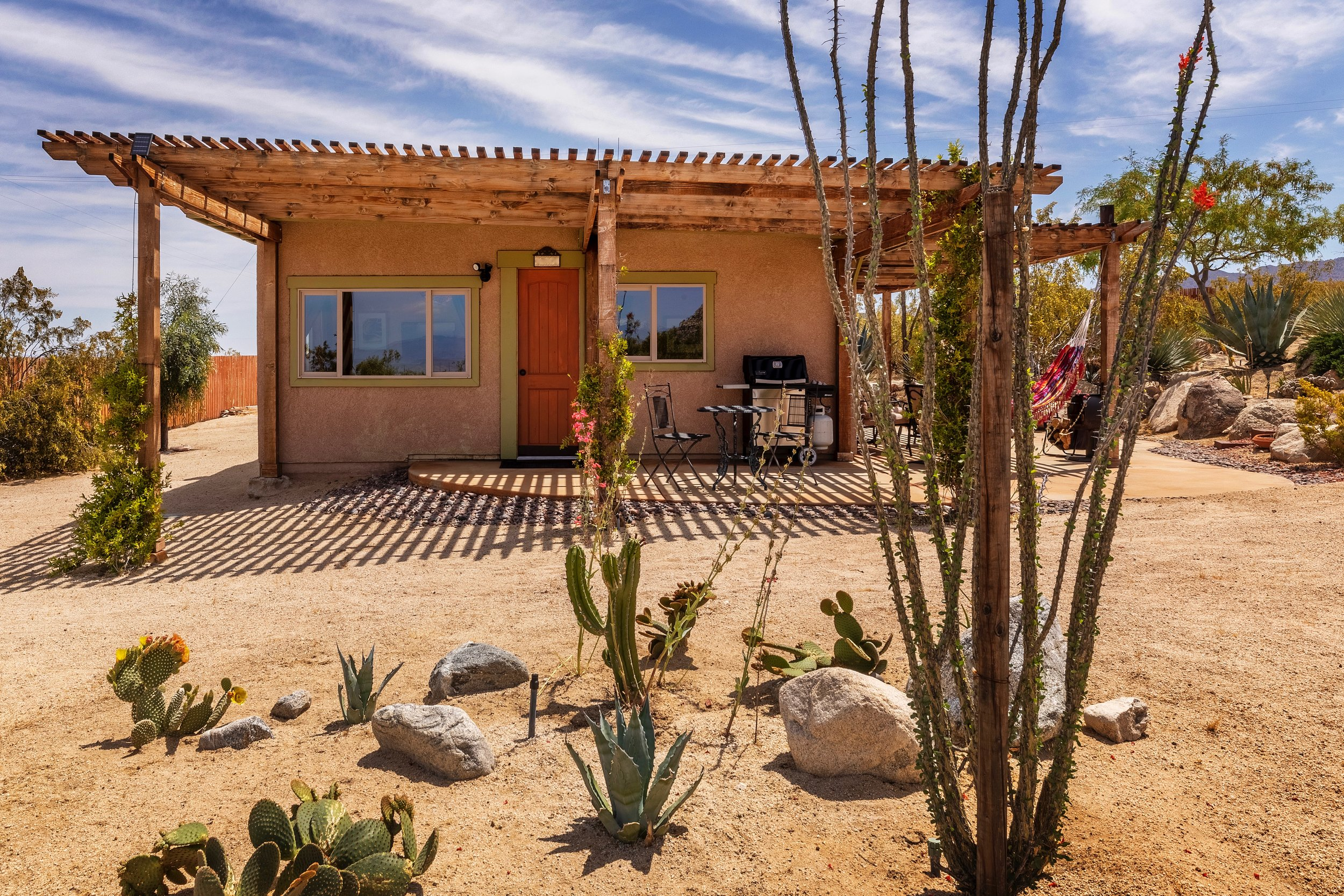 sullivan cabin furnished vacation rental - joshua tree, ca OFFERED BY RENT29.COM