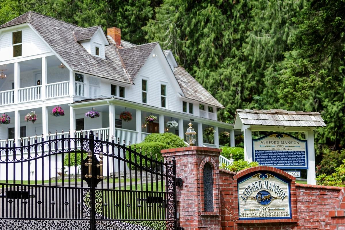 Ashford Mansion.jpg