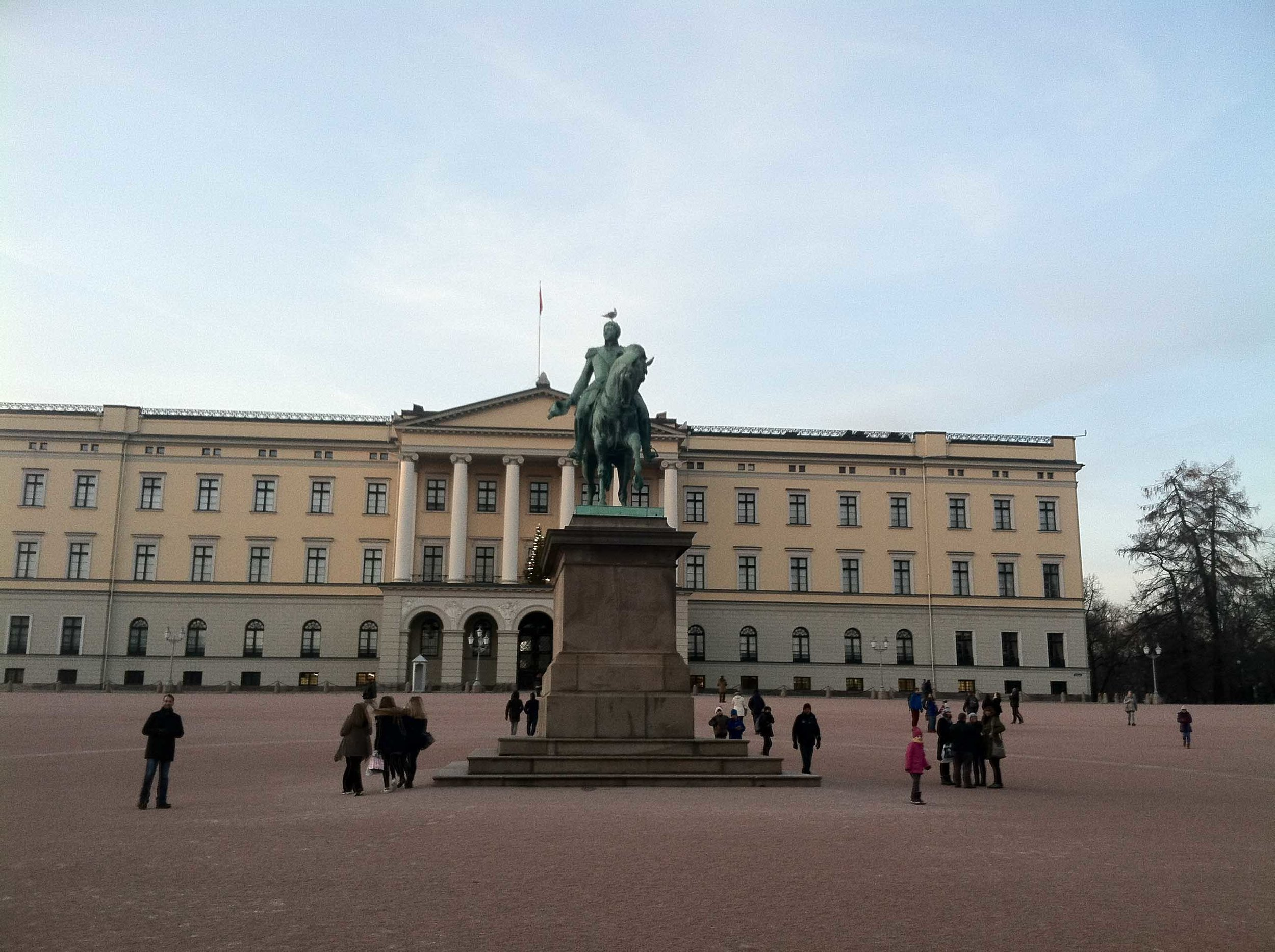 Captain Julian Kell and the ACHA D3 Select Team took in the sights in Oslow, including the Royal Palace, which was built in the early 19th century and is the official residence of the present Norwegian monarch.