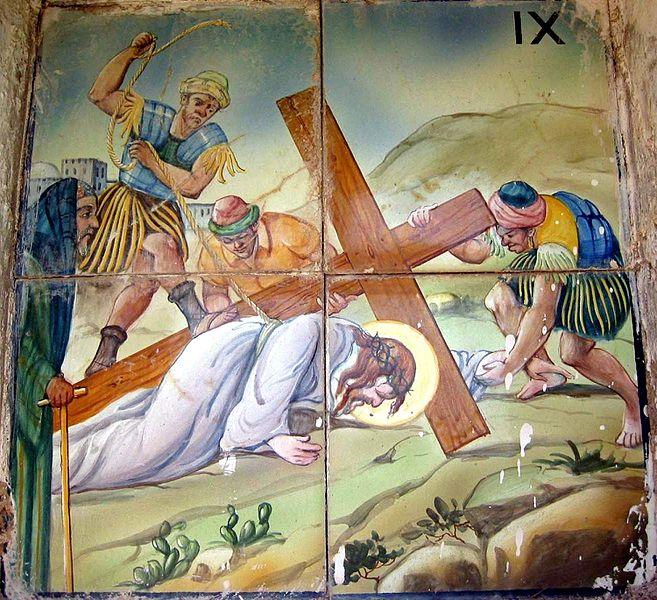 Estación IX del Viacrucis de Ademuz (Valencia): Jesús cae por tercera vez.