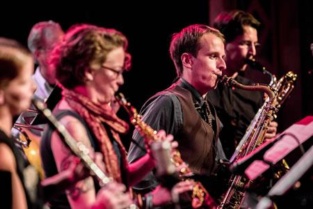 With Seattle composer Wayne Horvitz. Pictured: Neil Welch, Kate Olson, Beth Fleenor, Greg Sinibaldi, Tom Varner.