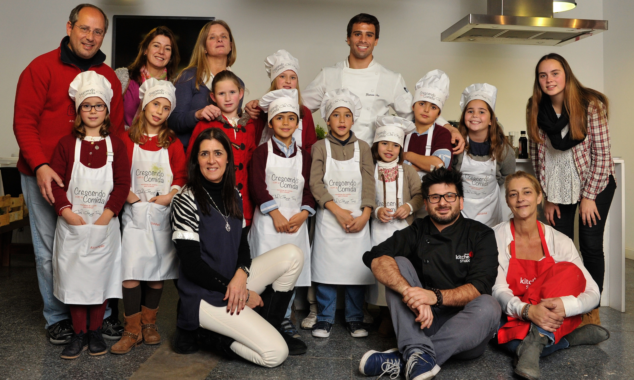 Crescendo com a Comida ®  Project in Lisbon, Portugal. Kids agers 5-15 with Parents.