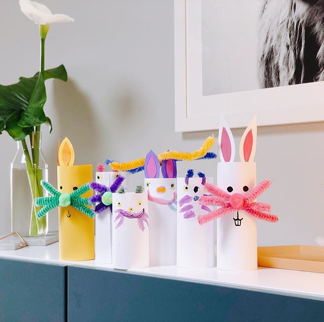 Our home crafted family of Easter bunnies! Glad påsk! Happy Easter #påskpyssel
