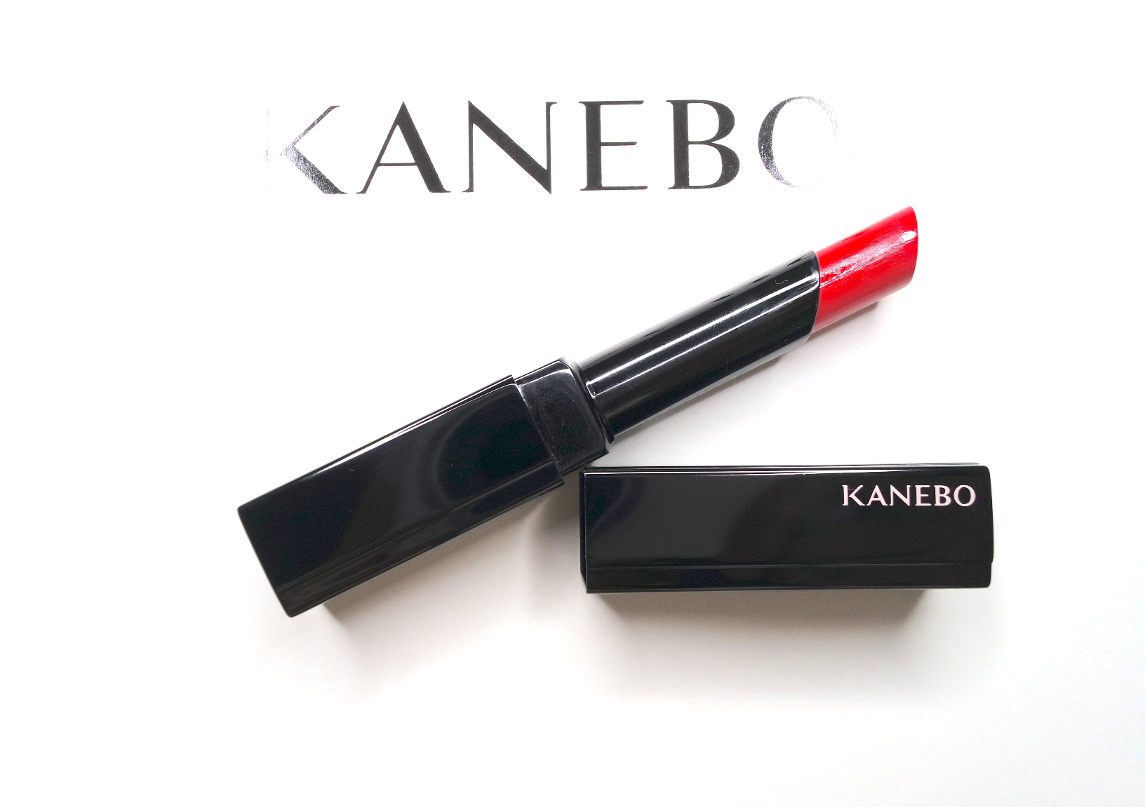 kanebo keep wearing rouge in 03 vibrant red