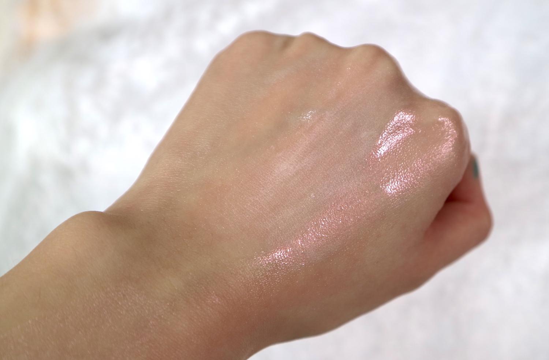In Her Element Squalane Oil + Ellana Minerals Loose Multipurpose Pigment in Halo
