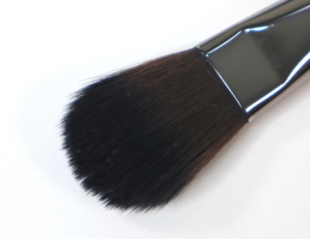 #156 Flat Round Blush Brush