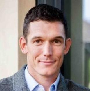 "Oliver Noteware | '18 - Co-founder & CEO | Street Smarts VROliver@streetsmartsvr.comAsk Me About: ""VR, govtech, social enterprise, police, military, government contracting"""