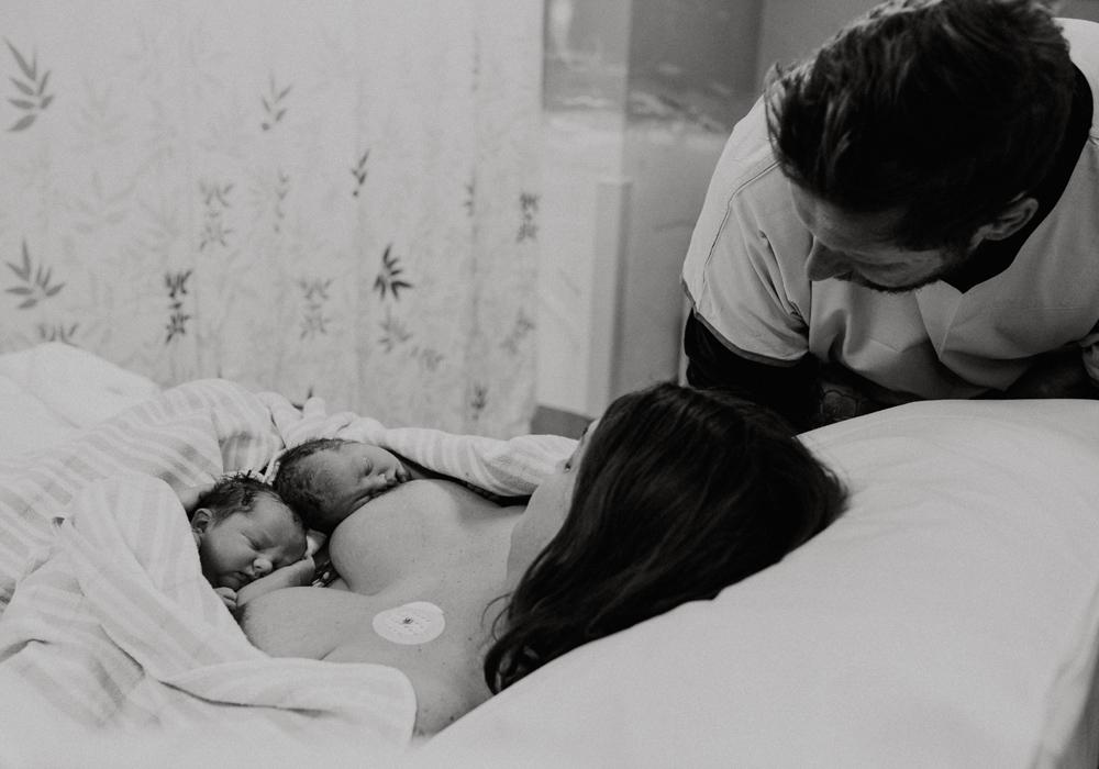 Rachel-twins-Newcastle-birth-photography15.jpg