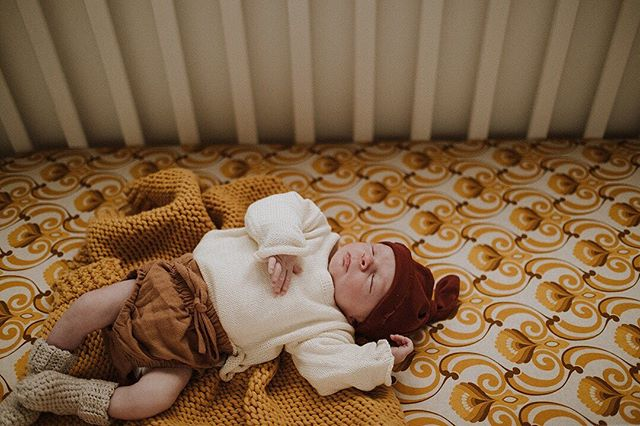 Oh Sadie you sweet little lady 😍 so peaceful, you'd never know my kids poking her toes and photobombing her entire session😆 We're all so smitten with our newest little bestie . . Adorable threads @littlelove.ofmine