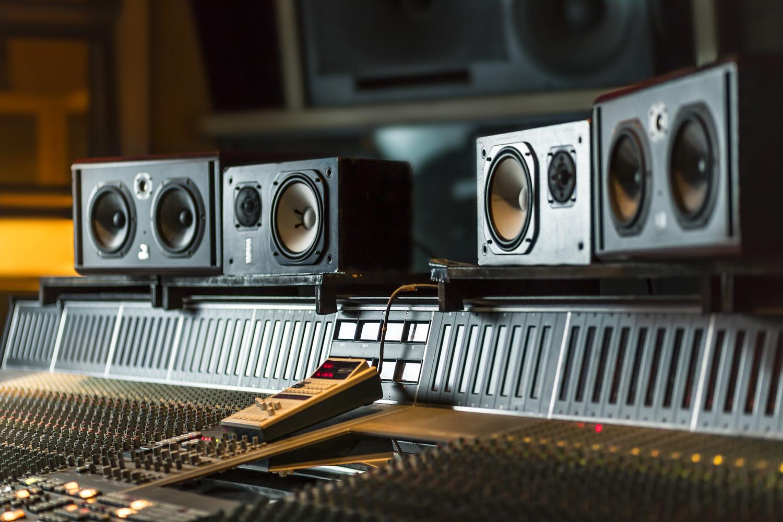 """<strong>Metropolis Studios</strong><a href=""""/metropolis"""">Learn More→</a>"""