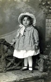 Vintage photo - Cute little girl