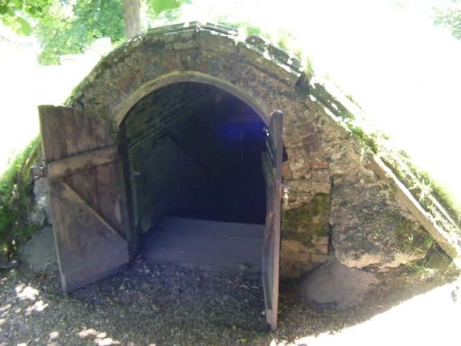 Entrance to ice house or cellar - Battle Abbey