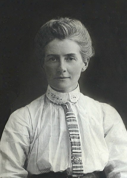 Edith Cavell (Wikipedia)