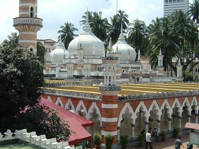 Masjid Jamek -    Mohd Hafiz Noor Shams    (Wikipedia)