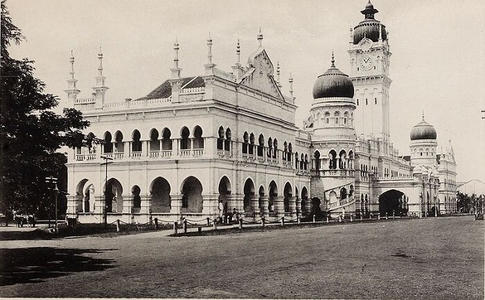 Sultan Abdul Samad building in 1902 when it was known as 'Government Offices' (Wikipedia)