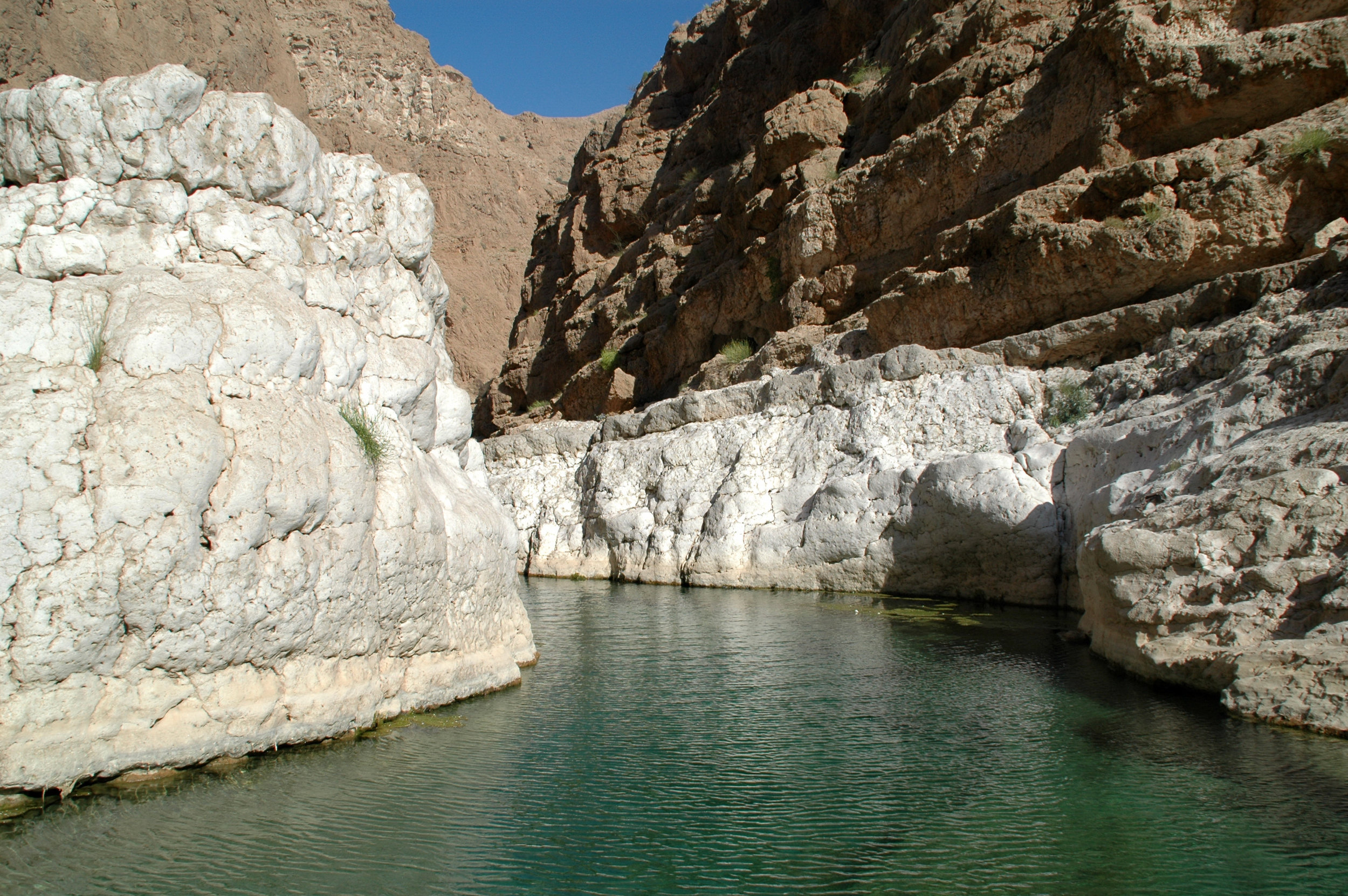 OMAN - pool in the mountains.JPG