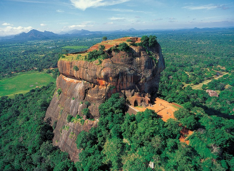 The lion Rock of Sri Lanka.jpg