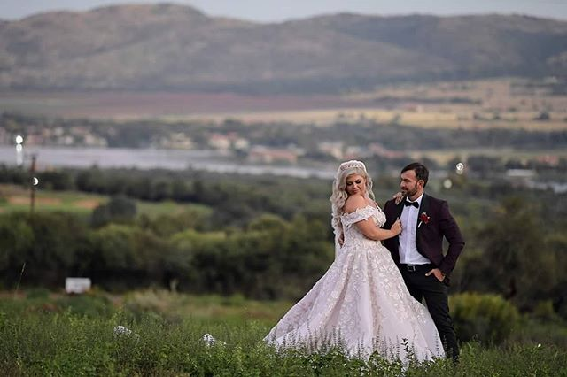 ROCHELLE & RUDI - RED IVORY  Rochelle & Rudi shared their special day with family and friends at the always amazing Red Ivory recently and we loved being part of their celebrations!  Here's a few peaks of their stunning wedding!