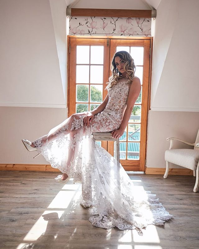 What an amazing styled shoot this was! Can't wait to do another one! Model: @kelsiholz Makeup: @makingfacesbygerda Dress: @werner_dey Shoes: @opari_shoes Venue: @klokfontein_weddings