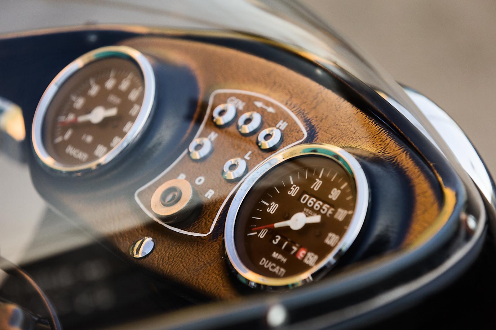 1979 Ducati 900SS gauges