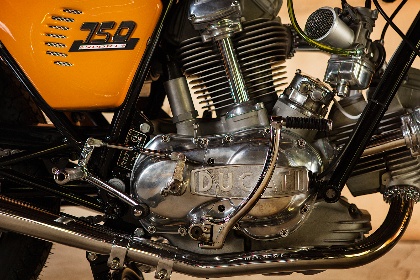 1974 Ducati 750S Sport motor round case