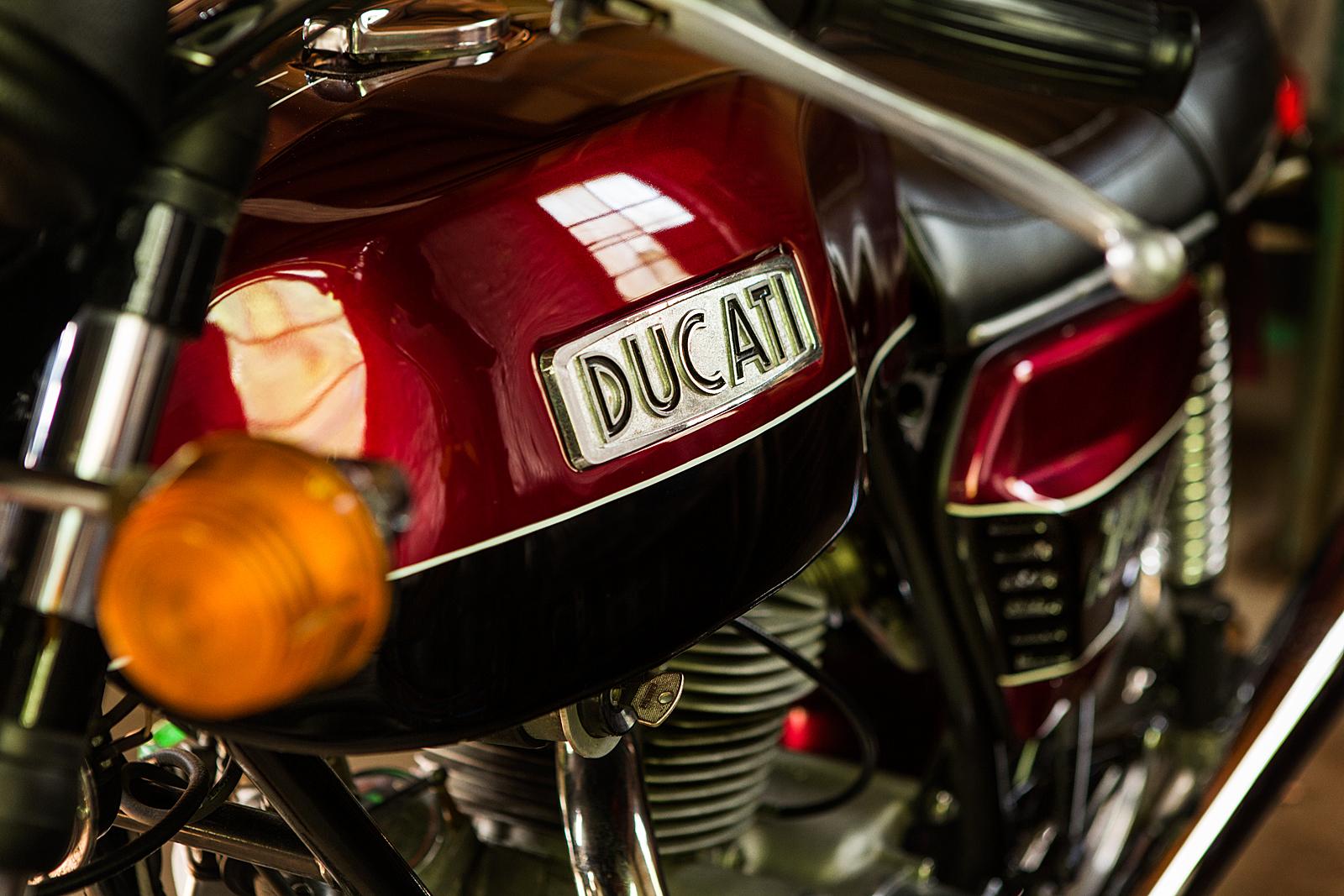 1974 Ducati 750 GT tank