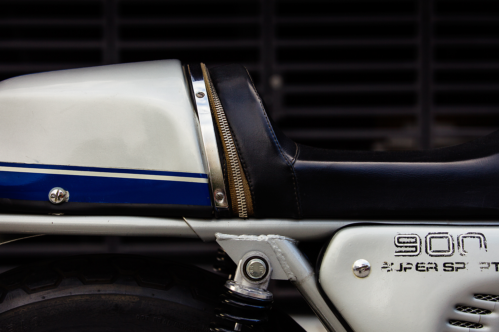 1977 Ducati 900SSb tail