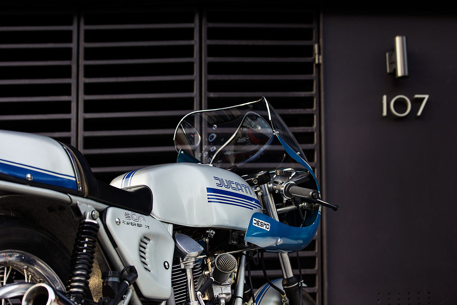 1977 Ducati 900SS tank