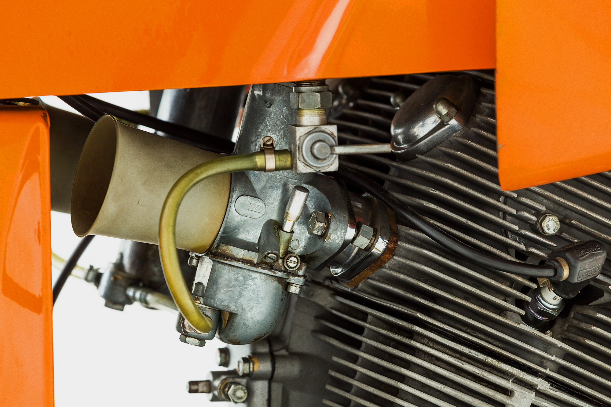 1972-Laverda-SFC-Carb
