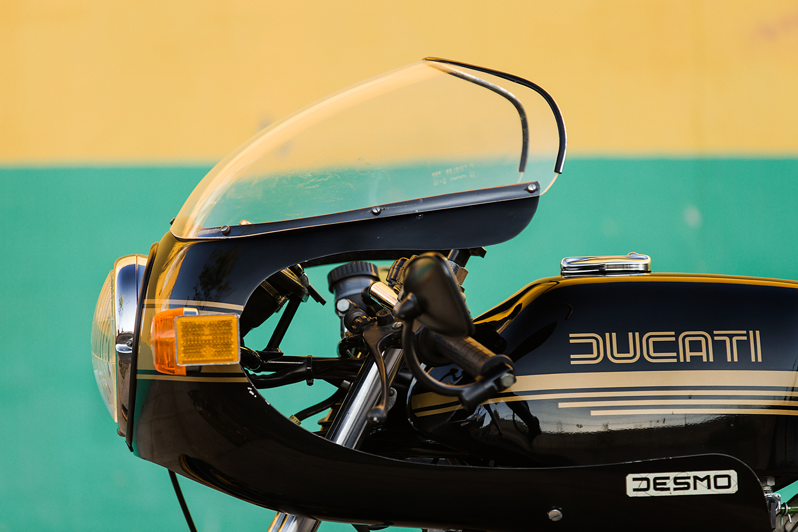 1979 DUCATI 900SS front