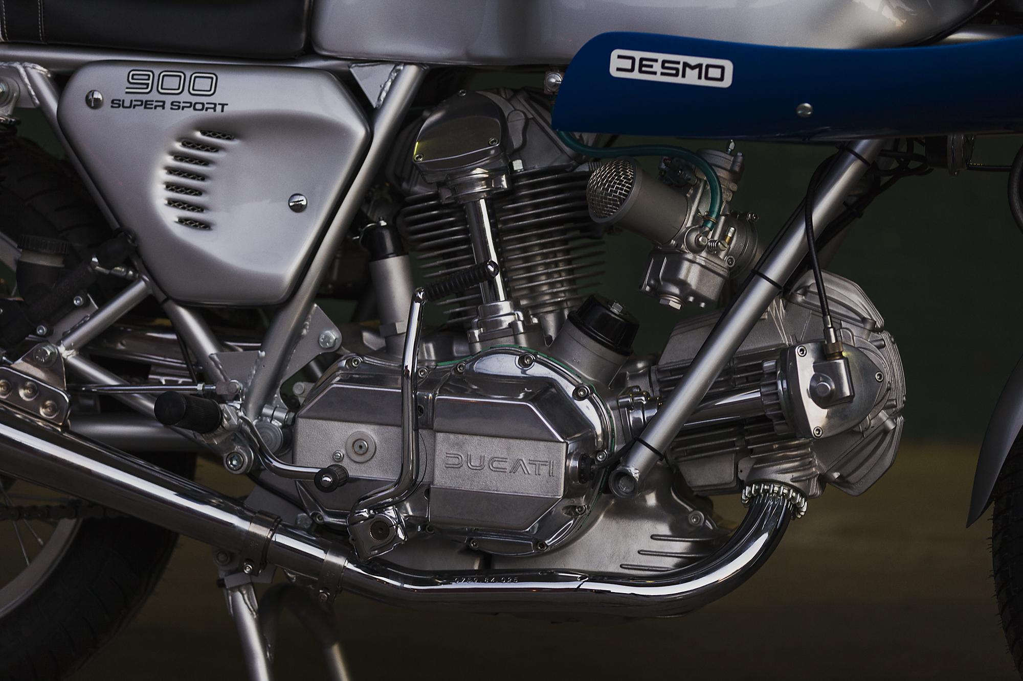1977 Ducati 900SS exhaust
