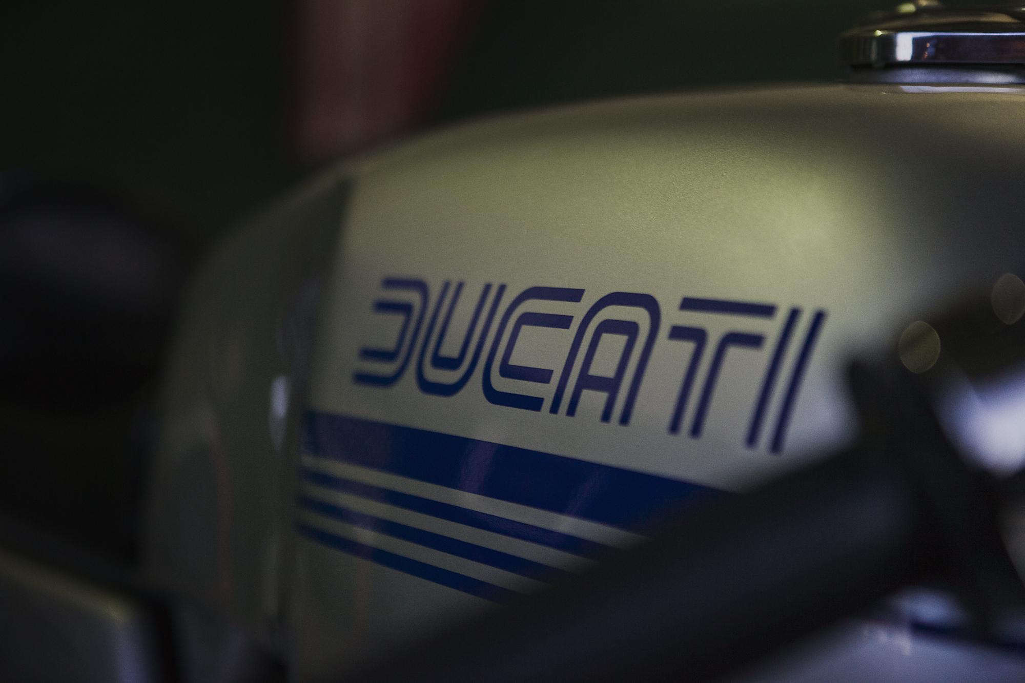 1977 Ducati 900SS Tank Paint