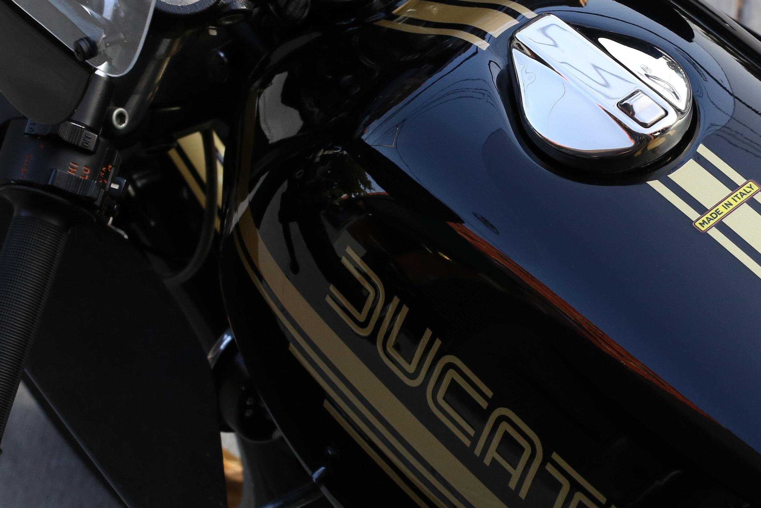 Ducati 900SS tank