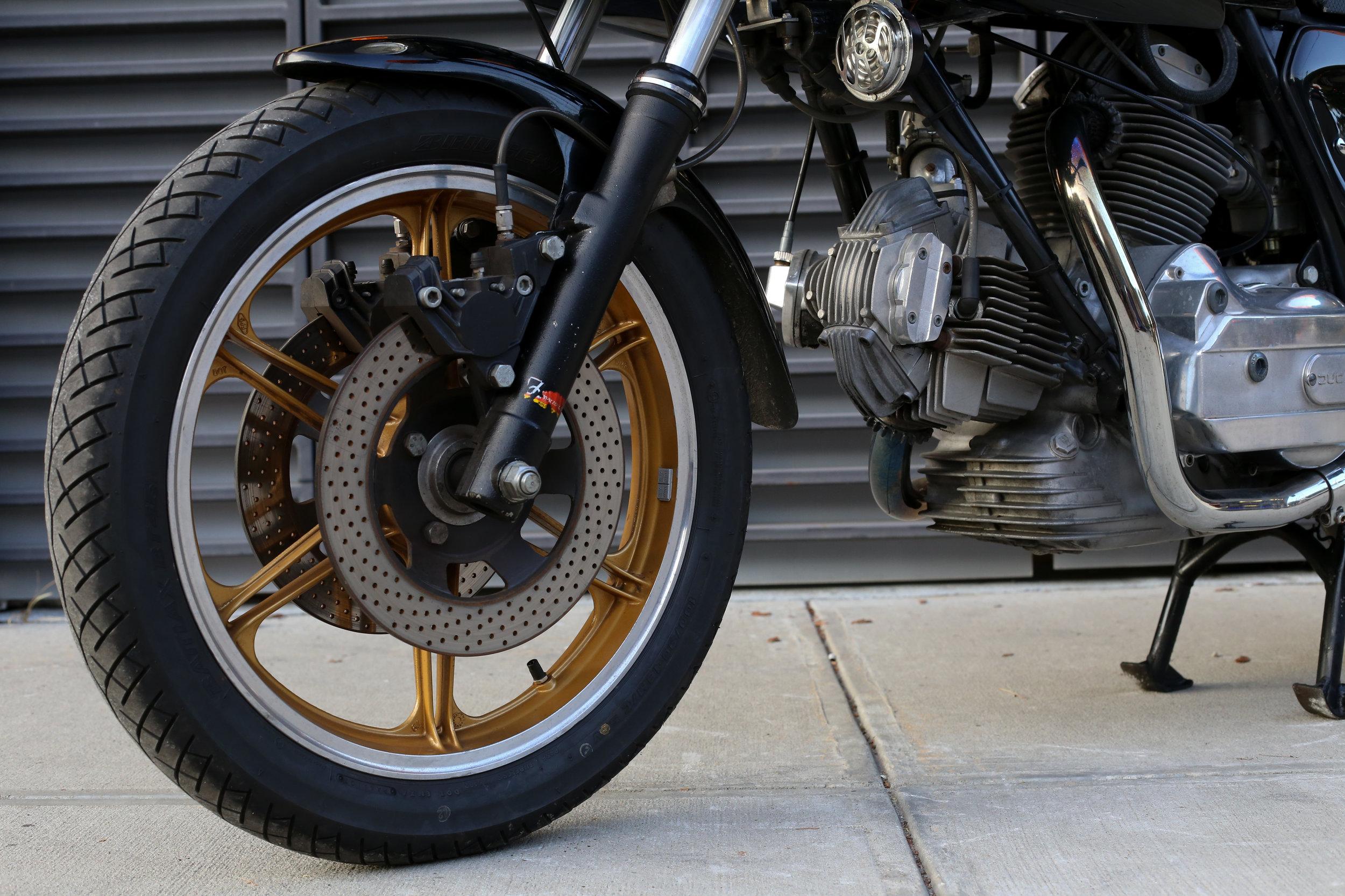 Ducati 900SS