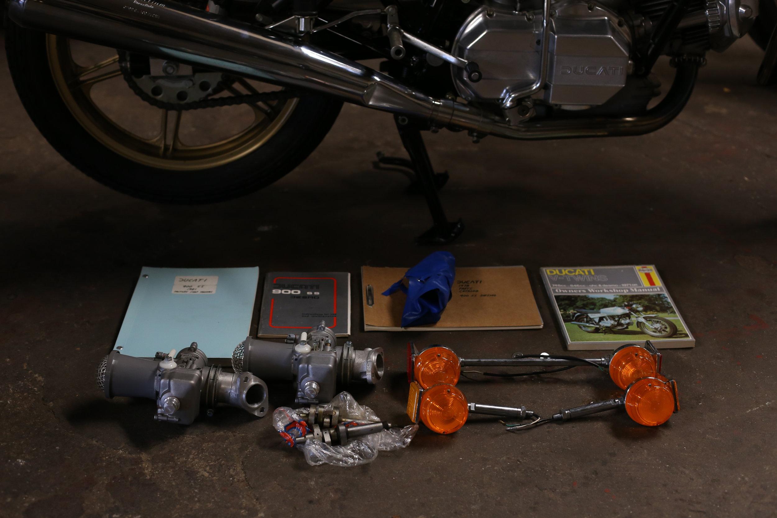 1981 Ducati 900SS 40mm Dellorto carbs