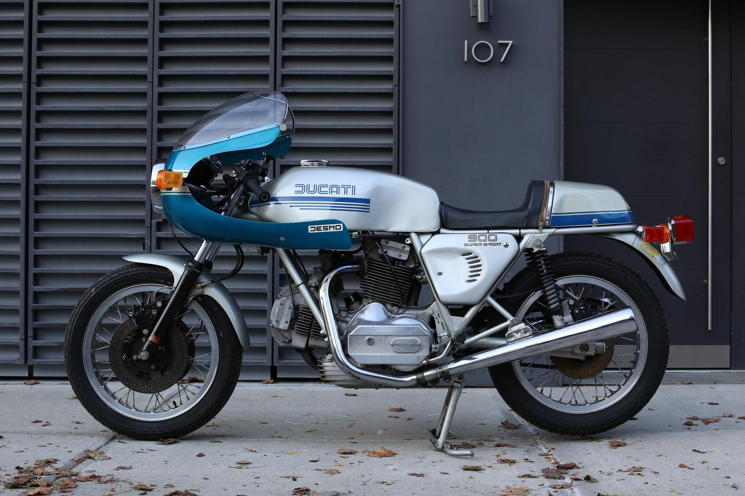 1977 Ducati 900SS side profile